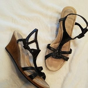 Rockport Black Patent Leather T-strap Wedge 8.5